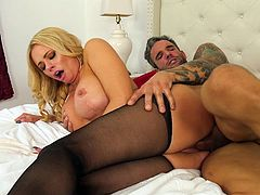 This milf goddess Briana Banks loves sex and she enjoys getting her big titties covered with sticky cum. A portion of fresh jizz is exactly what she gets in the final of this video. Have fun and enjoy the spicy bits of scandal!