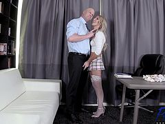 Kayleigh Coxx - Getting Out Of Trouble With Her Professor (29.04.2019)_720p