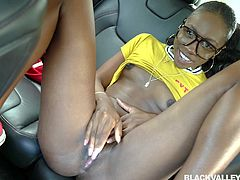 I just met this hot ebony babe and she was already beginning to seduce me, and I really liked it. While we were driving to my house, she undressed and showed me her pink pussy. I can't wait to fuck her chocolate cunt