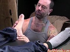 Fetish thugs Klaus and Franco play with ropes and feet