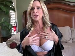 mature divorced milf gets hot creampie by her young roommate