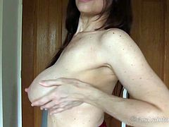 Check out this smoking hot and horny brunette cougar showing off her nice big tits.Watch her wearing sexy red dress and teasing in HD.