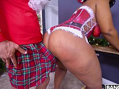 Perhaps Mimi Curvaceous found the best way to get the best gift from Santa Claus bag. The slutty ebony milf decided to seduce the bearded wizard and fuck him. How do you like this idea? Relax and enjoy impetuous sex action!