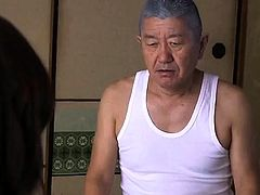 Asian milf fucked in hairy pussy hardcore after toying